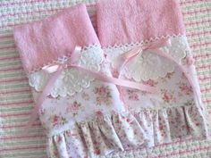 Decorative Shabby Chic pink towel set- lace to edge Dish Towels, Hand Towels, Tea Towels, Shabby Chic Crafts, Shabby Chic Decor, Shabby Chic Towels, Manualidades Shabby Chic, Sewing Crafts, Sewing Projects
