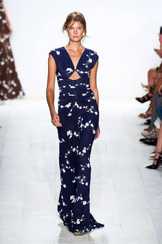 Foral - Michael Kors Spring 2014 Ready- to- wear Collection Elle Website: http://www.elle.com/fashion/trend-reports/spring-2014-trends-from-the-runway?click=pp#slide-34