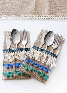 - Food Tutorial and Ideas Burlap Crafts, Diy And Crafts, Crafts For Kids, Ramadan Crafts, Ramadan Decorations, Boho Home, Hessian, Decoration Table, Hand Embroidery