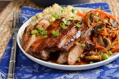 chinese meals Create a delicious fakeaway meal in your own home with this amazing low syn Chinese Pork. Great served with egg fried rice and some stir fried vegetables. Pork Recipes, Asian Recipes, Cooking Recipes, Healthy Recipes, Ethnic Recipes, Chinese Recipes, Healthy Dinners, Healthy Foods, Yummy Recipes