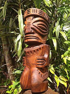 Kauai Marquesans carving by the Talented Bill Collins