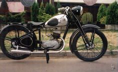he Czech 1949 Jawa 125 Motorcycle Images, Motorcycle Bike, Vintage Motorcycles, Cars And Motorcycles, Trailer Suspension, Chopper Bike, 50cc, Old Bikes, Classic Bikes
