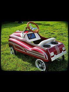 Peddle car w/ stereo