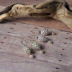 1 x cocon de papillon perles tissage blanc boucles d'oreilles