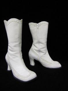 Perfect winter wedding boots | Offbeat Bride