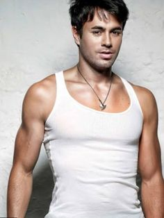 Enrique Iglesias, Net Worth, Google Images, Sexy Men, Tank Man, Handsome, Content, Celebrities, Boats