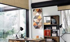 Zona de estudio con escritorio de madera