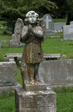 Cherub at Blandford Cemetery in Petersburg, Virginia © 2018 Patty Hankins