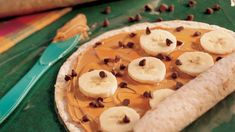 Wrap up sliced bananas, creamy peanut butter and chocolate chips in flour tortillas. Is it a fun weekend lunch, a great afternoon snack or a simple indulgent dessert? You can decide.