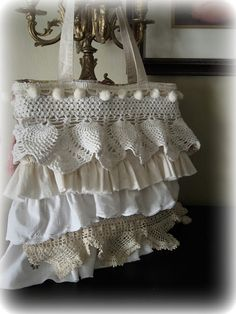 <3 shoulder bags, purs, diy tutorial, vintage lace, laptop bags, fabric bags, making bags, vintage life, tote bags