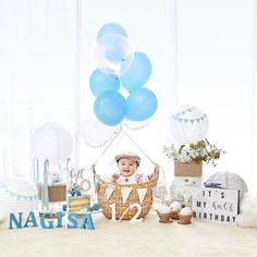 Planning a business lease for the welcome photo booth together . 6 Month Baby Picture Ideas Boy, First Baby Pictures, Baby Boy Photos, Half Birthday Baby, Half Birthday Cakes, Baby Boy Christening Cake, Twin Baby Photography, Monthly Baby Photos, Baby Month By Month