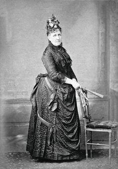 Princesa Isabel, a redentora que sancionou a Lei Áurea libertando os escravos em 13 de maio de 1888 (127 anos atrás). Será?