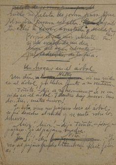 """MIGUEL HERNANDEZ (1910-1942). Manuscrito de los últimos cuatro cuentos - """"El potro oscuro"""", """"El conejito"""", """"Un hogar en el árbol"""" y """"La gatita Mancha y el ovillo rojo"""" - que dictó para su hijo a un compañero de celda del Reformatorio de Adultos de Alicante en el papel de estraza que les daban para el váter. Adquirido por la Biblioteca Nacional en agosto de 2014."""