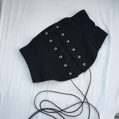 Nicky from Sew & Snip has made up my free corset belt pattern  and also written a very informative walk through of how she made it. Check out her handy work from start to finish -   And to grab the free pattern - http://www.corsettraining.net/free-corset-pattern