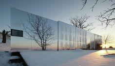 Etrange maison contemporaine au design translucide en Australie, une-Casa-Invisible-par-Delugan-Meissl-Associated-Architects #construiretendance