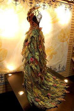Paper dress http://www.capadiadesign.com/2011/02/paper-roses-and-fabulous-dresses.html