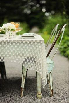 Dot mesh tablecloth