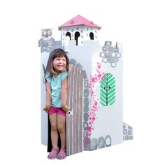 Large cardboard castle tower by Bibabox to design and paint yourself. The playhouse in castle tower shape makes the whole family fun. Cardboard Castle, Play Houses, Bookends, Recycling, Concept, Shapes, Painting, Design