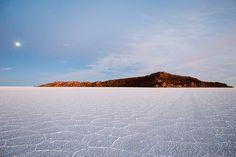 World's Largest Salt Flat, Salar de Uyuni, Bolivia Sea Level, Worlds Largest, South America, Explore, Mountains, Photo And Video, Landscape, Beach, Salar De Uyuni