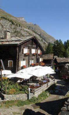 Zum See is one of #zermatt best mountain restaurants. We love their Fondue, grilled meats and excellent local wine list.