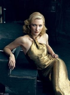 Cate Blanchett  Photograph by Annie Leibovitz.  Nombre: Catherine Élise  Blanchett; Nacimiento: Melbourne (Australia) 14 de mayo de 1969 (45 años) de Nacionalidad Australiana; Actriz;  Año de debut1992