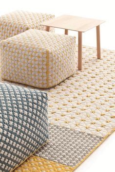 Discover thousands of images about upholstered fabric pouf SILAÏ Pouf Design, Tapis Design, Küchen Design, Embroidery Bags, Embroidery Jewelry, Tapetes Diy, Plastic Lattice, Diy Tapis, Fabric Rug