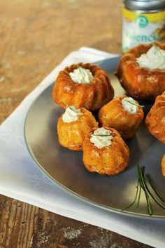 Gourmandises végétariennes: [Werbung] Herzhafte Gugelhupfe mit Schnittlauch-Frischkäse-Füllung