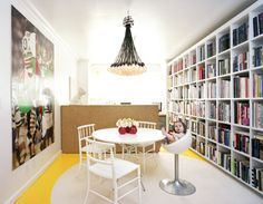 Dining room with bookshelves