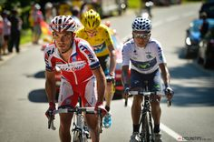 CHASING LE TOUR: QUINTANA HITS THE JACKPOT - CHASING LE TOUR: QUINTANA HITS THE JACKPOT - Stage 20 - Stage 20 - At 8.4km left to climb Rodriguez attacks the lead group with Quintana right on his wheel. Froome bridged the gap with amazing acceleration and rode straight past them before regrouping.