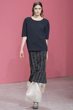 Theyskens\' Theory Spring 2014 RTW - Review - Fashion Week - Runway, Fashion Shows and Collections - Vogue