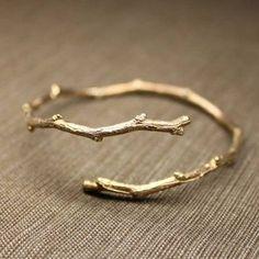 Twig ring into twig bracelet? Cute Jewelry, Jewelry Box, Jewelery, Jewelry Accessories, Fashion Accessories, Gold Jewelry, Jewelry Trends, Fashion Jewelry, Jewelry Ideas