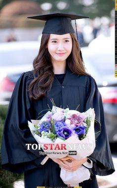 윤아(임윤아, Yoona) - [HD포토] 소녀시대(SNSD) 윤아, '윤아 졸업한다고 날씨도 좋아' (동국대학위수여식) - HD Photo News - TopStarNews.Net