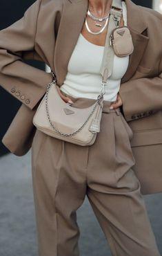 Look Fashion, Fashion Bags, Winter Fashion, Fashion Outfits, Womens Fashion, Fashion Trends, Prada Outfits, Fashion Style Quotes, Chic Fashion Style