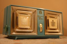 Bulova Twin~Speaker AQUA BLUE radio 1950's