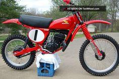 1976 Honda Elsinore Racer By Vintage Factory Ahrma Vintage Motocross Photos and info - TenWheel Honda Dirt Bike, Dirt Biking, Moto Bike, Honda Motorcycles, Motocross Tracks, Motocross Bikes, Vintage Motocross, Mx Bikes, Cool Bikes