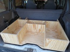 Insight into rear box space XJ-I was thinking that this box would be great built above low profile drawers in the back of my van.  I would put the camp stove / oven in that mid-section on a pull out draw with the stove able to pull out and rotate around.