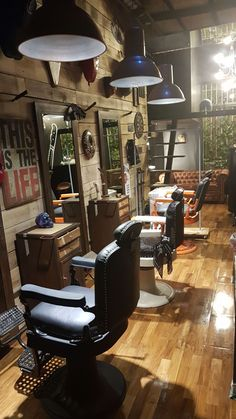 Barber Shop Interior, Barber Shop Decor, Hair Salon Interior, Tony Barber, Village Barber, Vintage Hair Salons, Mobile Barber, Barbershop Design, Salon Design