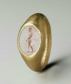 whitehotel:Unknown Roman artisan, Ring with oval gem with an...