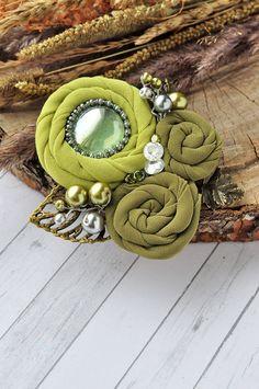 """Купить Брошь """"Молодая листва"""" - комбинированный, брошь, брошь из ткани, ткань, зеленая брошь"""