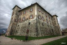 Castel Thun, #Trentino per una visita culturale in @valdinon