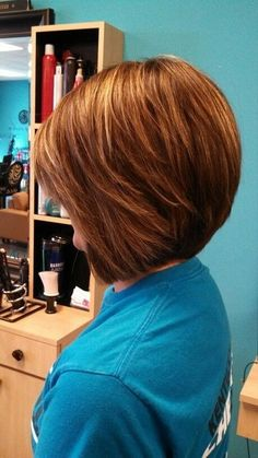 Stacked Bob Hairstyles for Round Faces  love these colors !!!!
