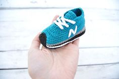Crochet baby shoes - unique booties -baby new balance-newborn gift - baby boy -baby girl - Aqua green - summer colors - image only Crochet Baby Boots, Knit Baby Booties, Booties Crochet, Crochet Shoes, Crochet Slippers, Crochet Converse, Crochet Baby Blanket Beginner, Baby Knitting, Vans Bebe