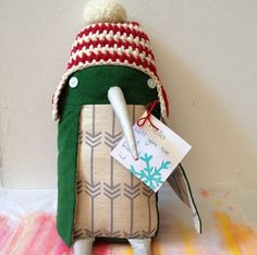 Winter penguin. Oh this stuffy makes me grin from ear to ear! Via meetmeatmikes