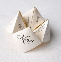 Here are deco ideas for a budget wedding since the details can be homemade, paper and with your hands for a decor origami! No natural flower but centerpieces, the wedding menu, Wedding Menu, Budget Wedding, Wedding Table, Diy Wedding, Wedding Reception, Wedding Planning, Wedding Day, Wedding Foods, Wedding Vintage