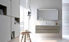 NYÙ by IDEAGROUP semplice e discreto. Particolare dello specchio http://www.ideagroup.it/bagno-moderno/mobili-bagno-eleganti-nyu