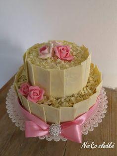 Niečo sladké: Svadobná torta s bielou čokoládou Vanilla Cake, Desserts, Food, Wedding Gown Cakes, Tailgate Desserts, Deserts, Essen, Postres, Meals