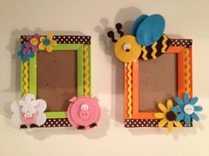 sweet photo holder. porta foto Popsicle Stick Crafts, Craft Stick Crafts, Felt Crafts, Paper Crafts, Craft Activities For Kids, Diy And Crafts, Crafts For Kids, Arts And Crafts Projects, Hobbies And Crafts