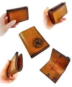 Cartera de cuero hecha a mano, personalizada. Bespoke handcrafted leather wallet. #leather #cuero #leatherwork #leathercraft #bespoke #handmade #hechoamano #craft #artesania #cartera #billetera #wallet #triskel