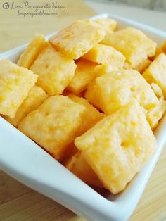 Homemade Cheese Crackers ~ Homemade Cheese Crackers Recipe ~ These are so delicious and fluffy but also crispy... they are so addicting!