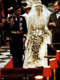 プリンセスオブウェールズ♡世界中が注目したダイアナ妃のロイヤルウェデング♡にて紹介している画像